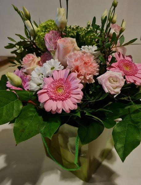Moederdag > Ruiker roos + bloemenbox